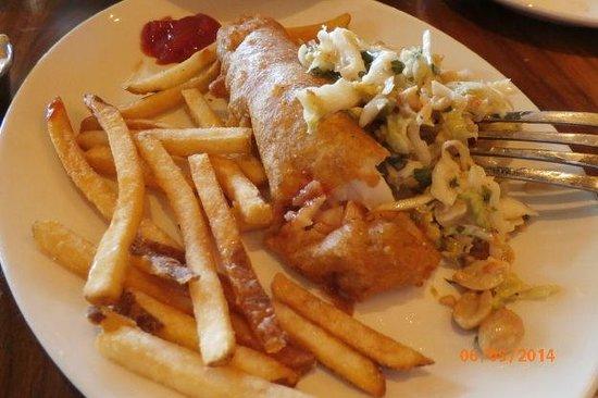 Graton Resort & Casino: fish & chips & slaw