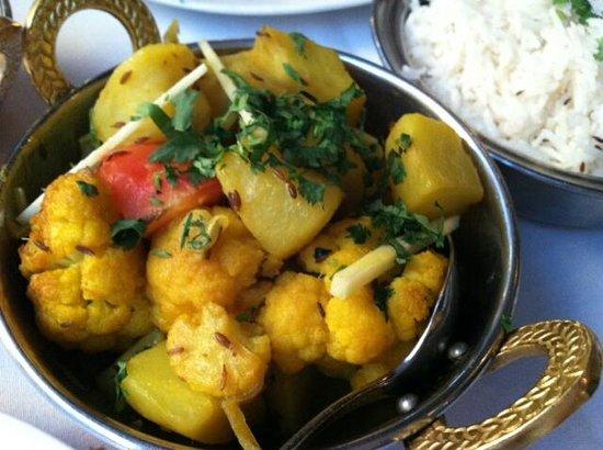Salam Bombay : Alu Gobhi - potato & cauliflower with ginger, cumin