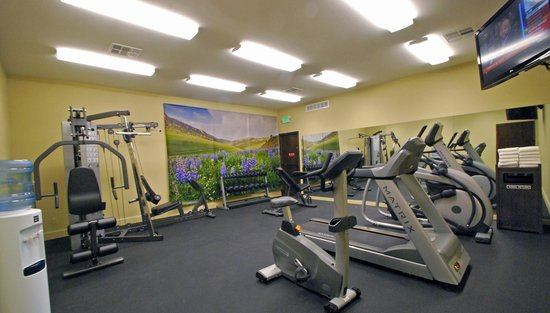 BEST WESTERN PLUS Boulder Inn: Our on-site fitness center includes both the Matrix and Vision line of industry-leading cardio a