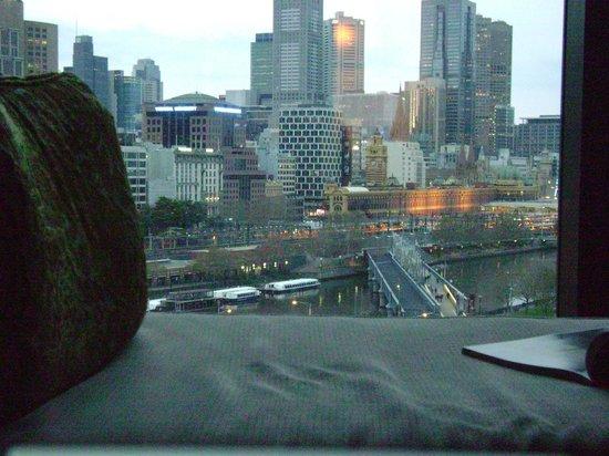 Crown Towers Melbourne: dusk