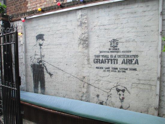 London Graffiti Tours: An original Banksy Graffti work