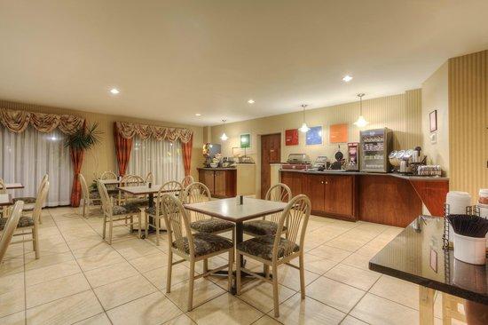 Comfort Inn & Suites - Lookout Mountain : Breakfast Room