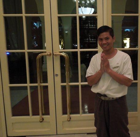 Raffles Hotel Le Royal : Warm Welcome