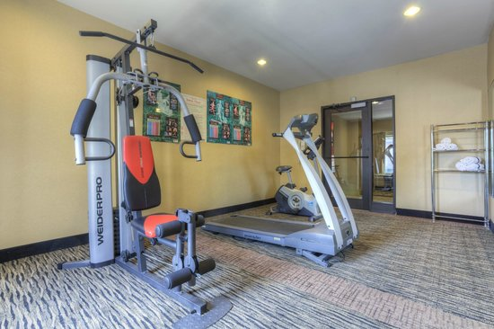 Comfort Inn & Suites - Lookout Mountain: Exercise Room