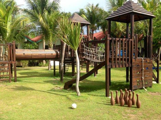 Dolphin Bay Resort: Playground