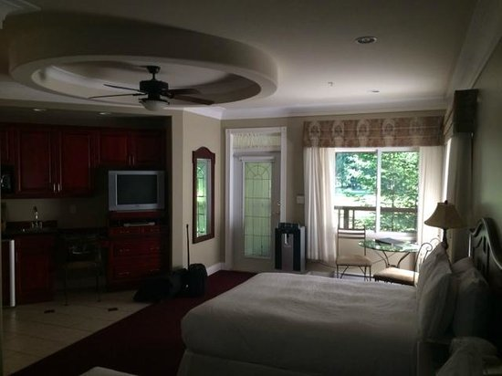 The Villas at Crown Isle Resort: room 905