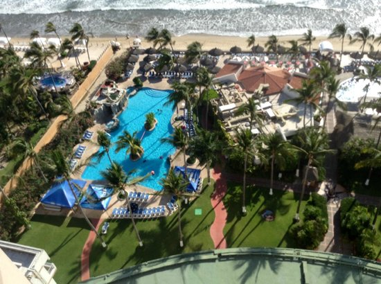The Inn at Mazatlan: Pool view from room