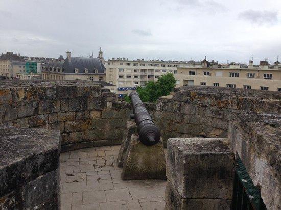 Chateau Ducal : Caen Castle Gun Tower