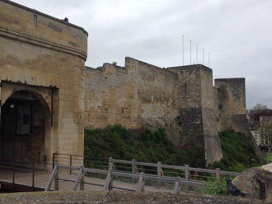 Chateau Ducal : Caen Castle Walls