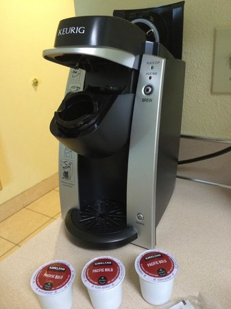 Sisters Inn and Suites : Coffee maker