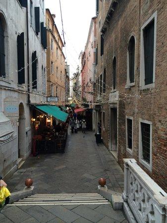 Liassidi Palace Hotel: the little narrow streets