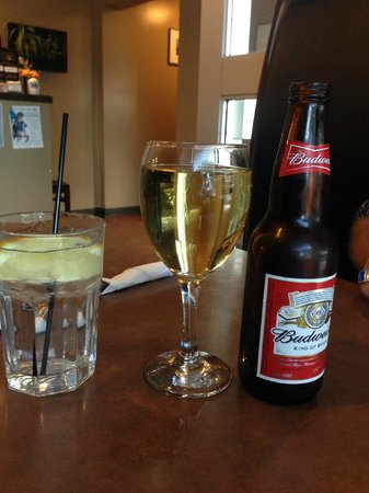 Chardonnay, Budwieser and a great glass of ice cold water with lemon! Tornado      Portage la Pr
