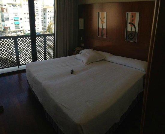 NH Malaga: Bed