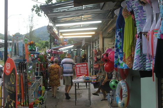 PARKROYAL Penang Resort, Malaysia: Part of the night market just outside resort