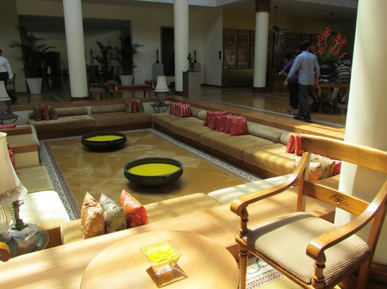 The Leela Kovalam Beach: Lobby