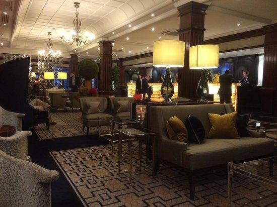 St. James' Court, A Taj Hotel: Lounge Lobby Bar