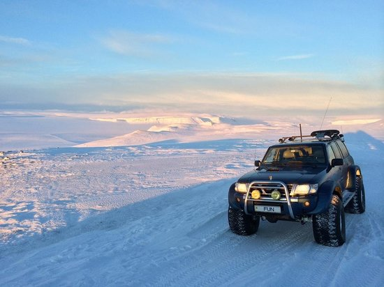 Nature Explorer Tours: Our trusty off road vehicle on the Golden Circle Tour