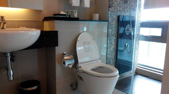 The Residences @ Swiss-Garden Hotel & Residences Kuala Lumpur : Bathroom