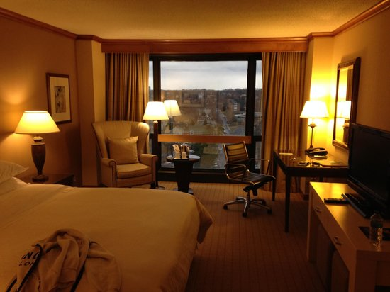 The Westin Crystal City: hotel room
