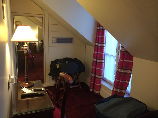 Hotel Royal Saint-Honore : other side of the room