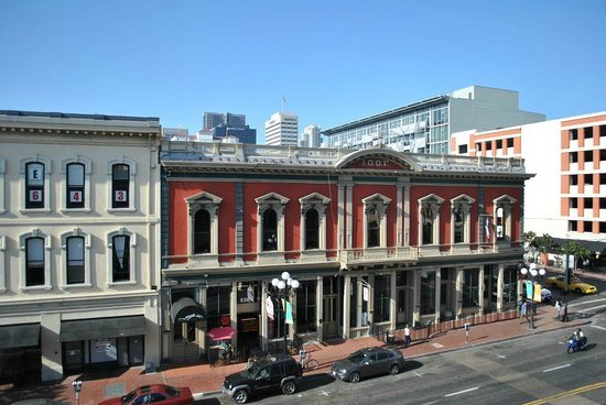 Hostelling International San Diego Downtown : the view from the hotel