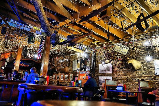 Iron Door Saloon and Grill: Iron Door Saloon