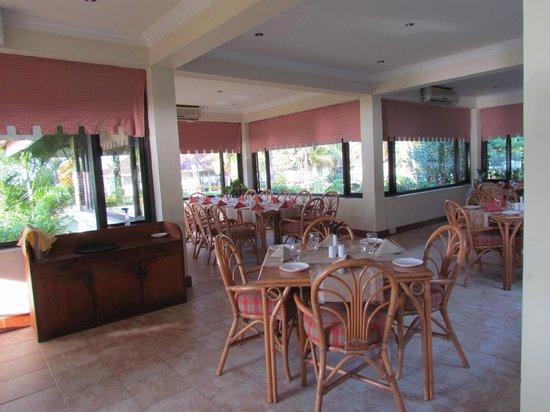 Aquasserenne: Dining area