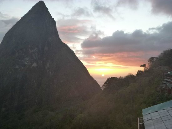 Ladera Resort: View from Ladera Restaurant