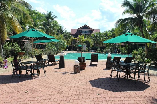 Holiday Villa Beach Resort & Spa Cherating: The pool