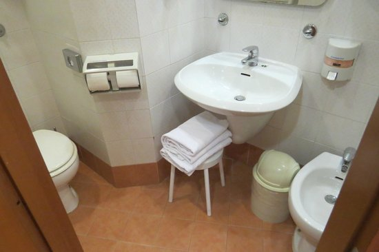 Hotel Concordia: bathroom