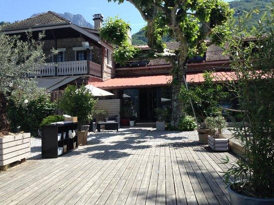L'abri-côtier : restaurant vu de la terrasse située derrière