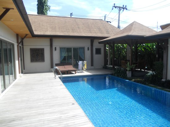 Two Villas Holiday Oriental Style Naiharn Beach : Pool view 1