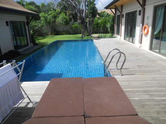 Two Villas Holiday Oriental Style Naiharn Beach : Pool View 2