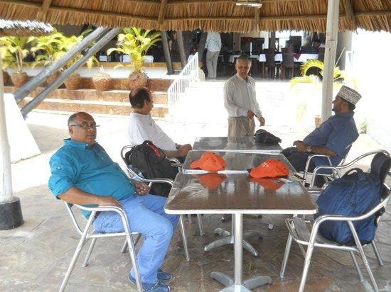 Morogoro Hotel: Pool side Dining