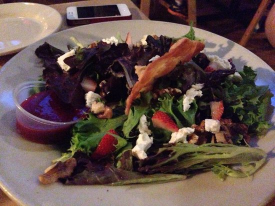 Gilded Otter Brewing Company: Goat cheese salad with raspberry walnut vinaigrette