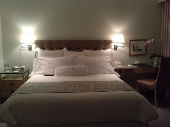Luxe Rodeo Drive Hotel: King Bed fit for a Queen