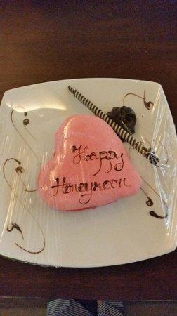 Centara Grand Beach Resort Phuket: Honeymoon cake. yum!