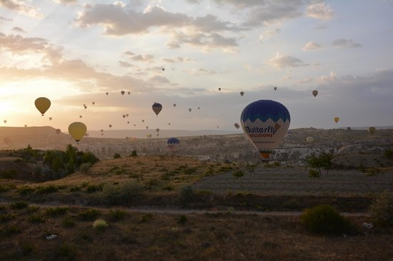 Butterfly Balloons: Austieg über Göreme...