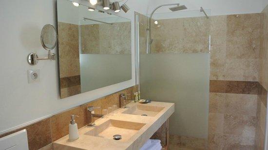 Villa Kilauea B&B : Salle de bains suite Orchidée
