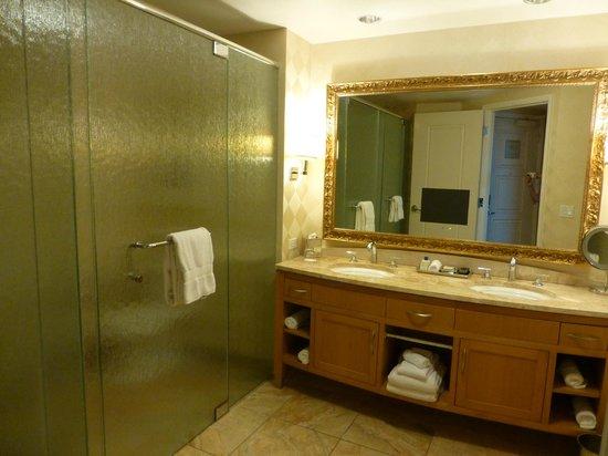 Trump International Hotel Las Vegas: Bathroom