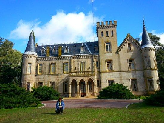 Estancia La Candelaria: Vista Frente del Castillo