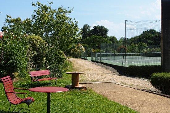 Domaine de Millox : tennis avec fronton