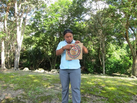 San Gervasio Mayan Archaeological Site: Our guide explaining about the Mayan calendar