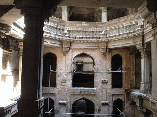 Adalaj Step-well: view as you enter