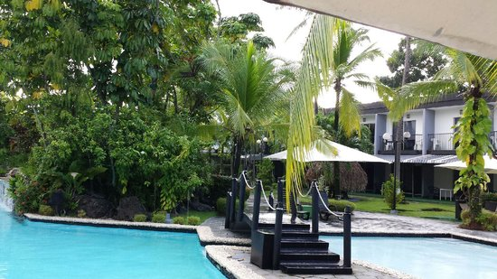 Riande Aeropuerto : pool area