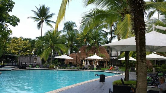Riande Aeropuerto: pool