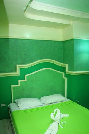 Molave Hotel: Superior Room  Php 1200.00