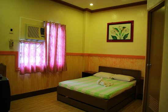 Molave Hotel: Junior Suite  Php 1200.00
