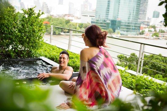 Millennium Hilton Bangkok: Outdoor Private Jacuzzi
