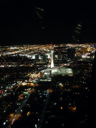 Luxor Las Vegas: strip at night in helicopter